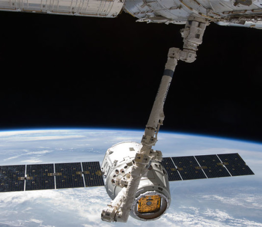 Dragon_ISS_Nasa,closeupengineering.it