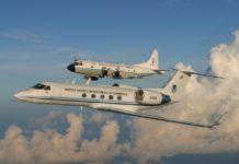 I Lockheed WP-3, i due gli aerei più spericolati al mondo, si tufano ogni anno dentro gli uragani per cercare di creare delle previsioni meteorologiche sempre più accurate.