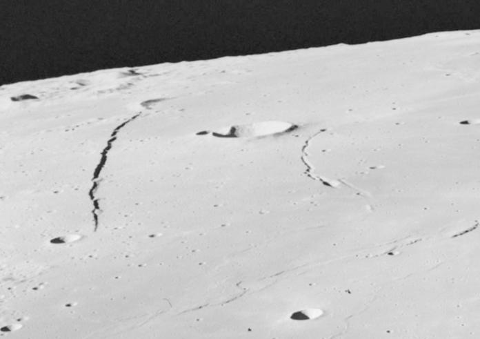 Faglie sulla luna
