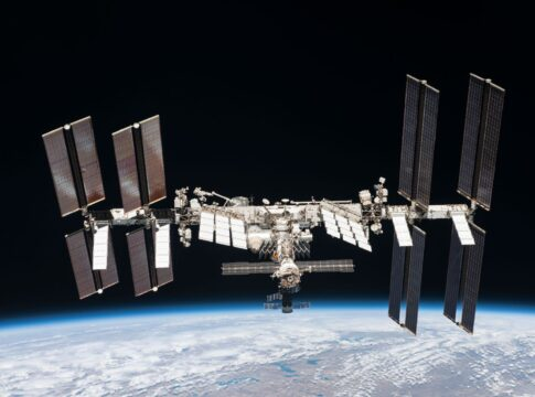 space junk Iss emergenza