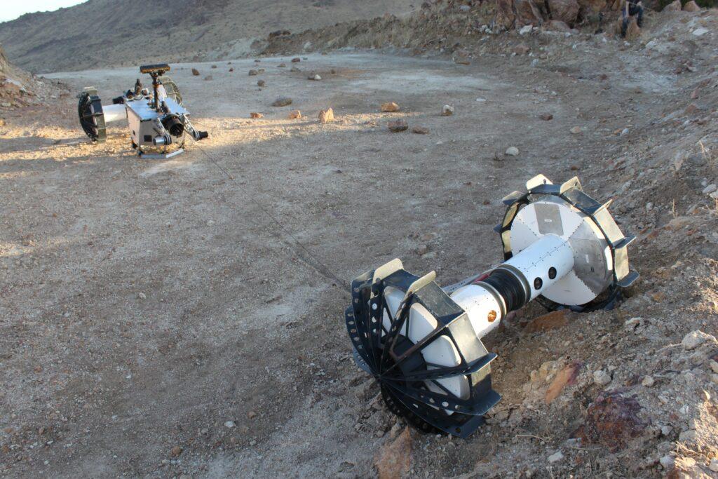 Rover DuAxel in azione