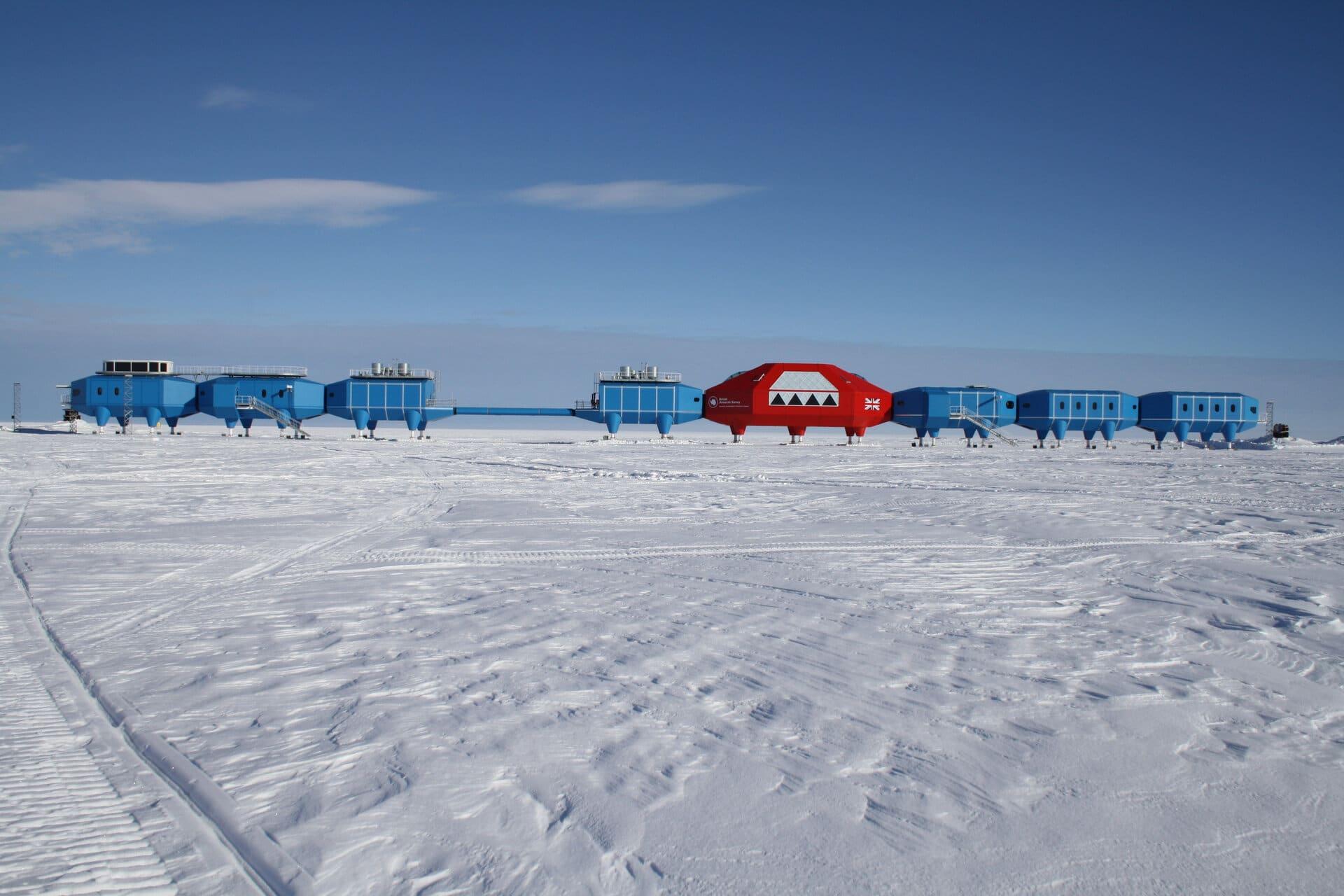 Stazione britannica Halley presente al circolo polare Antartico. Crediti: ESA.