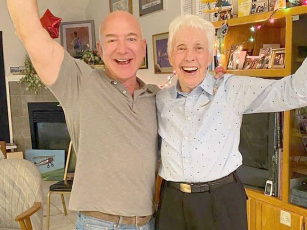 A 82 anni Wally Funk volerà con Blue Origin nel primo volo con equipaggio. L'ex aviatrice volerà insieme a Jeff Bezos e a Mark Bezos.
