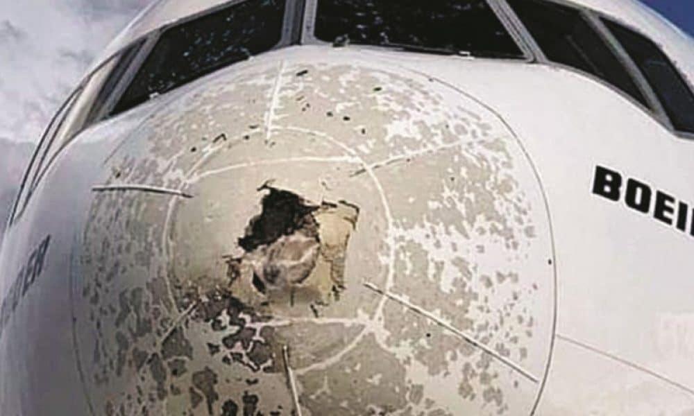 Boeing 777 tempesta grandine