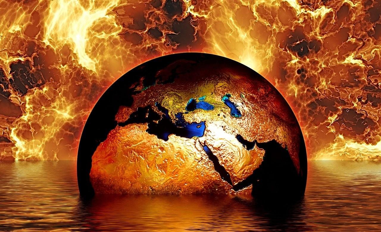 Incendi e inondazioni NASA Foto di Gerd Altmann da Pixabay