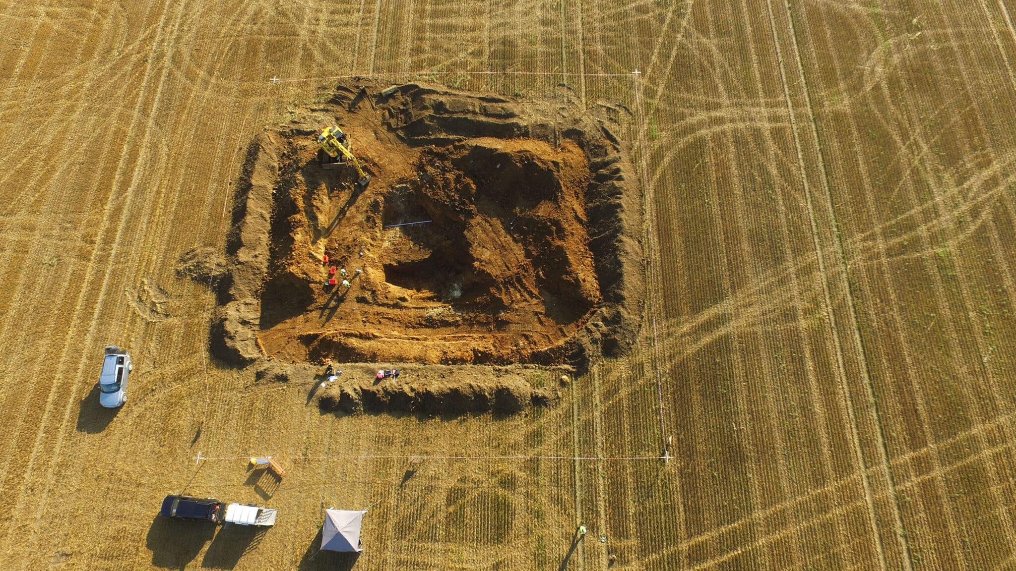 I lavori archeologici che hanno portato al ritrovamento dei pezzi del missile V2. Crediti: Colin Welch